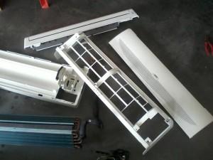 12 komponen indoor yang telah dibersihkan dan dikeringkan