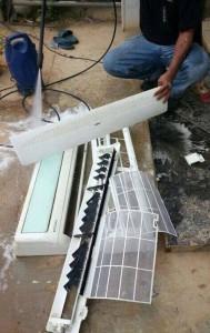 6. membersih dengan semburan air water jet